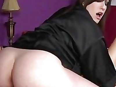 Goth masseuse gets pussy ate at the end of one's tether client